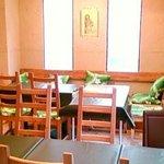 オルオルカフェ - 明るい店内