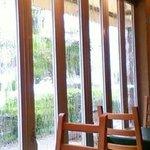 オルオルカフェ - 扉をあけたら半オープンカフェ