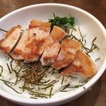 ふらんす亭 - 豚丼880円 スカスカのビジュアルで寂しい