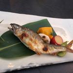 先斗町 魯ビン - 鮎の塩焼き