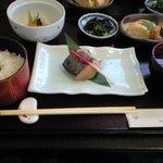 4151112 - ('10.06)焼き物煮物定食1050円