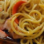 あんかけ堂 - 極太麺とウインナーのコラボ