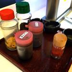 ビーンズ カフェ - 卓上のふりかけやソース