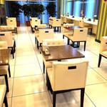 ビーンズ カフェ - 食事スペース