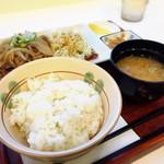 ビーンズ カフェ - 生姜焼き定食650円