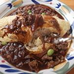 レストラン アルタ - オムハヤライス。中は、普通の焼き飯で ちょっと残念かな・・・
