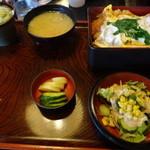 41517064 - カツ丼(890円)+半蕎麦とサラダのセット(240円)