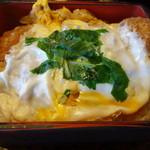 41517072 - カツ丼(味噌汁・お新香付き890円)
