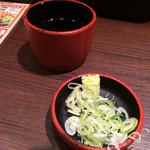 41520978 - ざる蕎麦のお汁と薬味