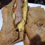 三びきの子ぶた - テリヤキチキンと玉子サンド