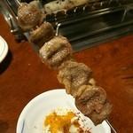 千里香 - 何の肉なのか知らず仕舞いだったが均一に焙られている