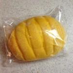41526673 - かぼちゃメロンパン 185円(税抜)