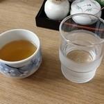 41535559 - お茶  水はセルフです