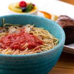 AsianCafeHiroz - にんにくと赤唐辛子のトマトスープ~スパゲティーニ~