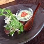UNO - 前菜:アボカドのムース風、カツオのカルパッチョ、オリーブ入りポテトサラダ