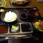 焼肉の龍園 - ご飯&ワカメスープはお替り自由