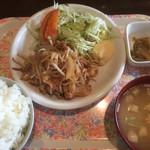 双葉亭 - 生姜焼き定食   650円