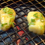 焼肉の龍園 - 小倉発祥特撰丸腸は、表面カリカリに焼きあげます