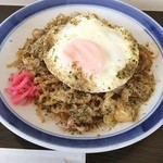 タストヴァン - 料理写真:富士宮やきそば+目玉焼き(¥550)‼️ 大盛りにしたほうが良かった…