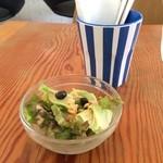 カフェボール - 最初に野菜サラダが(2015.9.4)