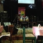 デルソル カフェ - ステージ。