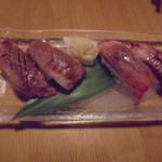 41551176 - 石垣牛炙りにぎり寿司塩200円×2、石垣牛にぎり寿司タレ200円×2