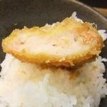 41551509 - 「塩海老かつオンザライス」美味い。プリプリ海老食感堪能。(^^)