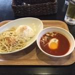 Tステーション - 噂の?富士宮ご当地グルメ、つけナポリタン‼️  トマトベースのスープに独特の食感の麺(ラーメンとパスタを足して2で割った感じ)をスープつけて食べ、残りのスープはライスにかけて食べます(^_^) ちょっとカレー風味のスープには桜エビも入ってます。