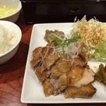41552447 - 焼鶏定食。これホンマに旨いですよ(^O^)