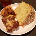 サンドッグイン神戸屋 - セットの食事パン(食べ放題)の一部