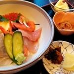 41562044 - 海鮮丼1450円