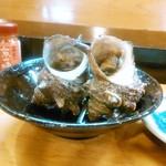 忠寿司 - お通しのサザエ
