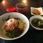 牡丹園 - 納豆ピビンバ、850円
