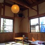 上野製麺所 - ゆったり広く落ち着く店内