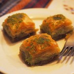トルコ料理レストラン ヒサル - バクラク(甘いパイのシロップ漬け)