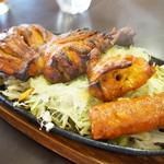 インド料理 ビシュヌ - ミックスグリル(タンドリーチキン、チキンティッカ、シークカバブを各1P)