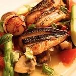 フェリア トウキョウ - トビウオと3種の貝類のアクアパッツァ