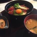シプレカントリークラブ - 料理写真:韓国風マグロユッケ丼