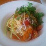 41586810 - トマトとシラスの冷製スパゲッティーニ パクチー風味(アップ)