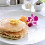 41587842 - バターミルクパンケーキ(パイナップルとマウイシュガー)