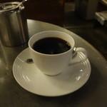 BOSSA - ドリップで入れる濃い珈琲は、町村牛乳のミルクと砂糖を入れると絶品になります