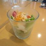 小川軒 - ランチのカレーに付くサラダ
