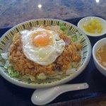 皆楽苑 - ラオス炒飯(840円)