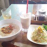 41590824 - マーボナスの粥+果実酢豆乳ザクロ                        締めて  ¥600