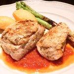 カチナ - 本日のお肉料理 1250円 の鶏の香草焼き トマトソース