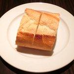 カチナ - 本日のお肉料理 1250円 のパン