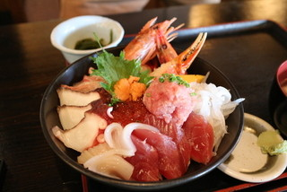 海鮮どんぶり亭 - スペシャル海鮮丼(ネタ、ライス大盛り)