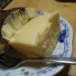 お休み処 芭蕉苑 - チーズケーキ¥350