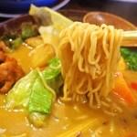 ガラムマサラ - カレーラーメン(麺)