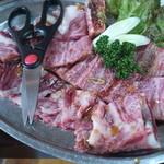 焼肉 京城 - 上骨付きカルビ